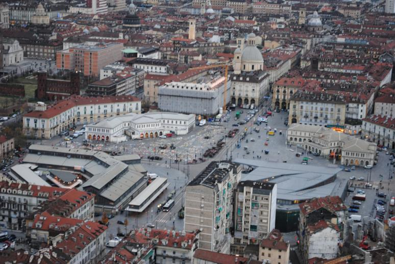 034 turin eye piazza borgo dora torino 30 nov 2012 774x518 for Borgo dora torino